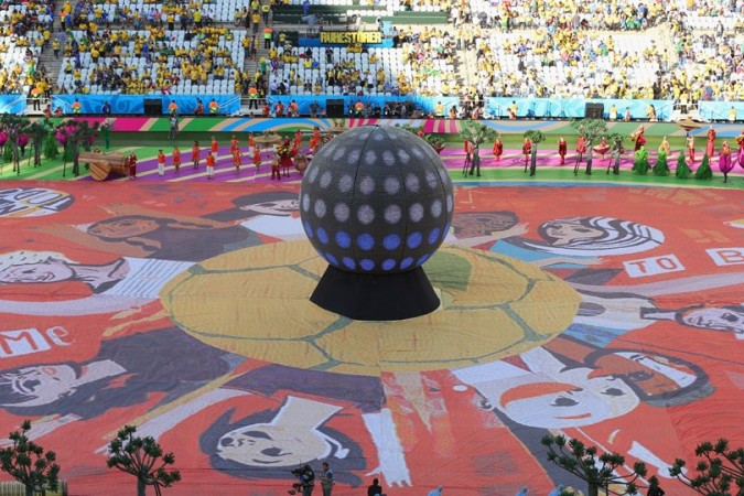 Gran espectáctulo de luces y música en el estadio
